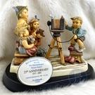 BRAND楓月 GOEBEL高寶 25週年慶 拍照小孩 陶瓷擺飾 居家擺設 藝術品