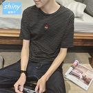 【Y079】shiny藍格子-百搭首選.春季新款條紋西瓜繡花圓領短袖T恤