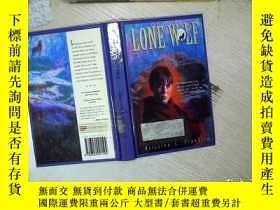 二手書博民逛書店LONE罕見WOLF 孤獨的狼 大32開 01Y261116