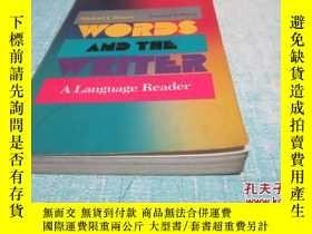 二手書博民逛書店WORDS罕見AND THE WRITER A language