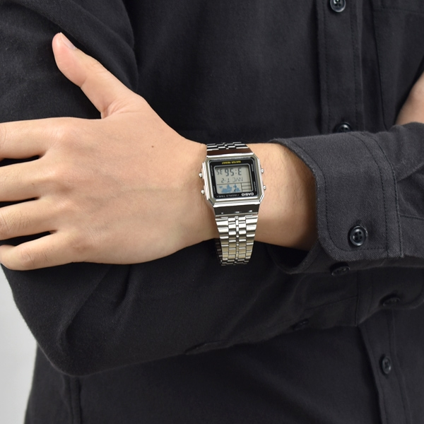 CASIO手錶 復刻方型地圖銀色鋼錶NECE37