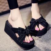 夾腳拖鞋女夏蝴蝶結夾腳外穿厚底防滑時尚厚底楔形沙灘海邊大尺碼涼拖鞋