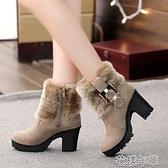 粗跟靴毛毛雪地靴短筒翻毛短靴女新款冬季女鞋高跟粗跟百搭加絨裸靴 快速出貨