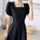 方領洋裝 法式復古小黑裙黑天鵝黑色連身裙女2021夏裝新款赫本風顯瘦長裙子 寶貝 免運
