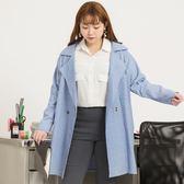 Poly Lulu 細直條口袋排釦寬鬆翻領外套-淺藍【93040035】