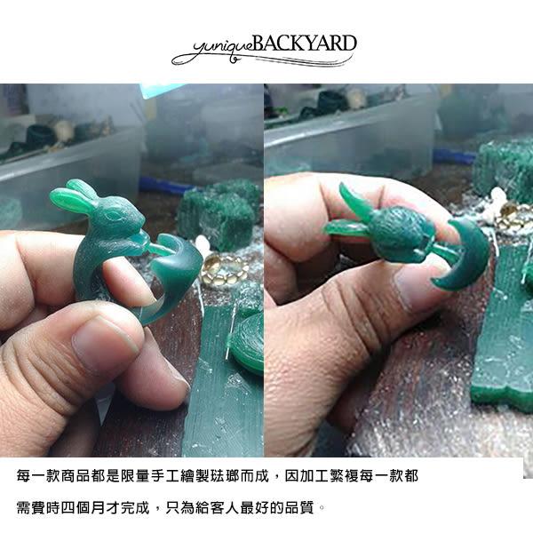 yunique Backyard 貝殼方晶耳環
