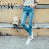 Queen Shop【04011380】淺藍刷色造型破洞九分牛仔褲 S/M/L/XL*現+預*