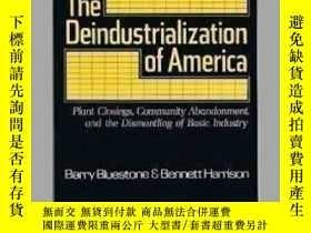二手書博民逛書店The罕見Deindustrialization Of AmericaY256260 Barry Bluest