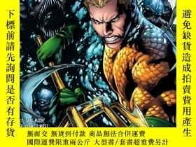 二手書博民逛書店Aquaman罕見Volume 1: The Trench TP