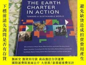 二手書博民逛書店THE罕見EARTH CHARTER IN ACTION TOW