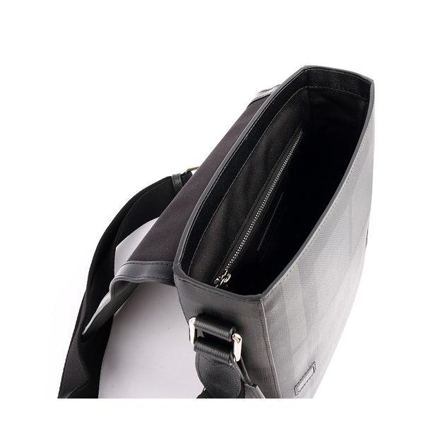 【BURBERRY】London 防潑水格紋斜背包(炭灰/黑)(厚款)4056890