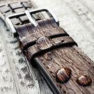 【300米防水 海奕施 HIRSCH】桉樹(尤加利樹)纖維橡膠錶帶 Bark L 立體樹皮紋 附工具 (OMEGA IWC)