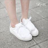 真皮休閒鞋-R&BB手工牛皮製*質感毛毛綁帶微厚底舒壓平底鞋-白/灰色