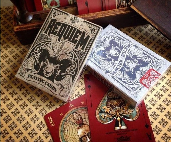 【USPCC 撲克】Requiem Winter decks 藍白/黑棕