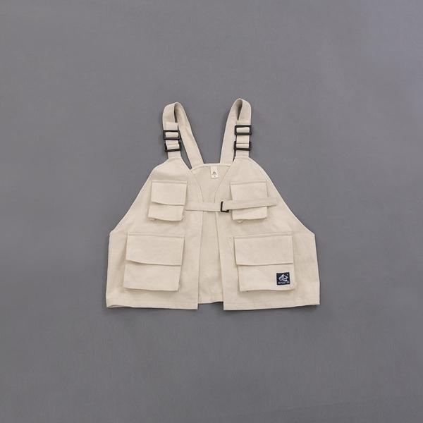Queen Shop【02080057】多口袋設計前釦環斜紋背心 三色售 1/2*現+預*