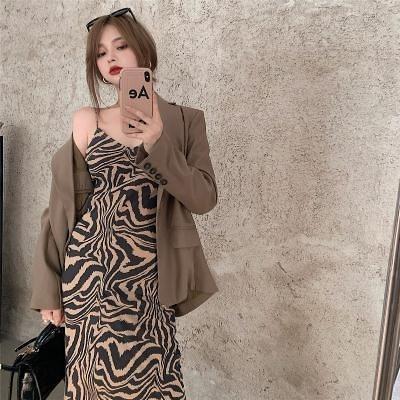 洋裝~中長款V領露肩吊帶收腰顯瘦碎花連身裙桔梗復古森系2F054-D胖妞衣櫥