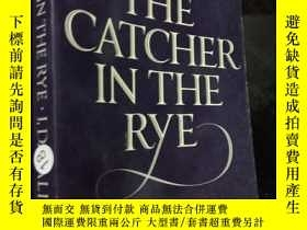 二手書博民逛書店the罕見catcher in the rye .  Y1249