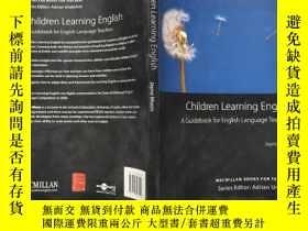 二手書博民逛書店Children罕見Learning English: A Guidebook for English Langu