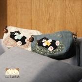 化妝包~雅瑪小舖日系貓咪包 黑貓吃小魚化妝兩用包/護照夾/收納袋/拼布包包