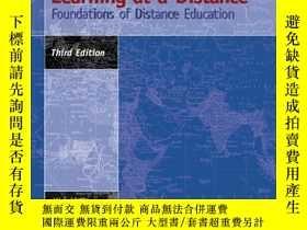 二手書博民逛書店Teaching罕見And Learning At A DistanceY255562 Michael Sim