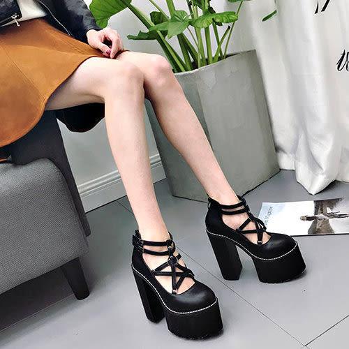 克妹Ke-Mei【ZT53841】歐洲站 辛辣名媛五角星摟空靴型高跟鞋