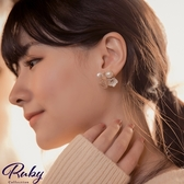 耳環 韓國直送‧貝殼珍珠花朵寶石耳環-Ruby s 露比午茶