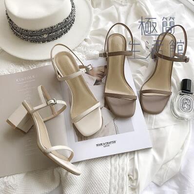 春季涼鞋一字扣帶晚晚同款中跟粗跟仙女鞋夏新款露趾方頭【極簡生活館】
