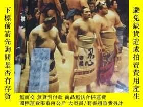 二手書博民逛書店Sumo罕見Wrestling (Action Sports)Y