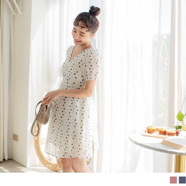《DA7908-》甜美漸層圓點V領抓皺透膚絲紋小拋袖短洋裝 OB嚴選