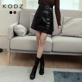 東京著衣【KODZ】時髦街拍腰帶一片式高腰A字皮質短裙-S.M.L(191400)