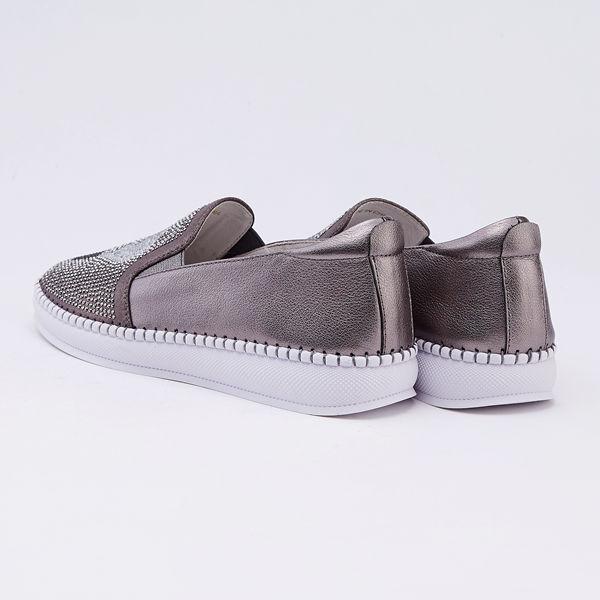 itabella.燈泡造型鑽飾休閒鞋(9567-81灰色)