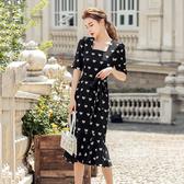 VK精品服飾 韓系復古愛心荷葉魚尾荷葉邊方領收腰短袖洋裝