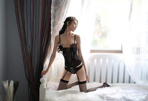 【愛愛雲端】法式性感魚骨立體馬甲吊襪帶睡衣+內褲(有鋼圈胸墊)