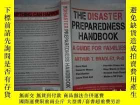 二手書博民逛書店The罕見Disaster Preparedness Handbook: A Guide for Families