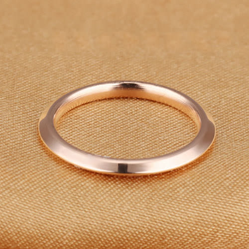 《 QBOX 》FASHION 飾品【R2016N499】精緻個性簡約素面玫瑰金色鈦鋼戒指/戒環