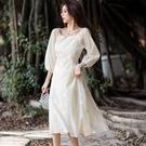 刺繡薄紗七分袖方領露鎖骨約會洋裝春裝[99157-QF]美之札