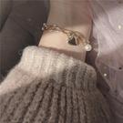 手鍊 少女心超甜手鍊~可愛心形韓國氣質雙層珍珠鍊條桃心吊墜學生手鐲【全館免運】