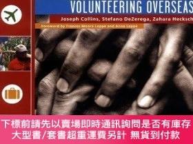 二手書博民逛書店How罕見To Live Your Dream Of Volunteering OverseasY255174