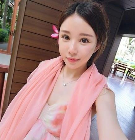[協貿國際]  女士春季純色薄防曬絲巾雪紡圍巾夏季披肩 (1入)