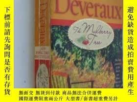 二手書博民逛書店The罕見Mulberry Tree【桑樹,茱蒂‧德佛奧,英文原