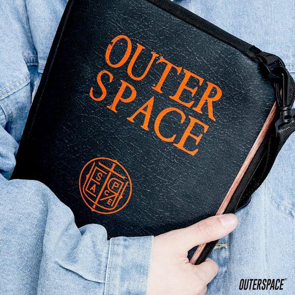 OUTER SPACE 聖經筆電包(13吋)
