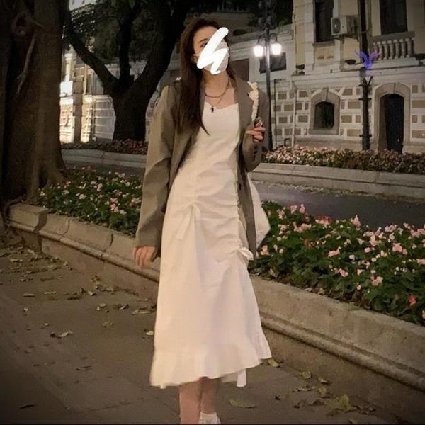 遮副乳吊帶裙吊帶連衣裙早春新款顯瘦白色抽繩高級感