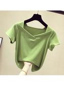 T恤 牛油果綠V領修身短袖女t恤夏裝心機小眾半袖ins短款上衣 莎瓦迪卡