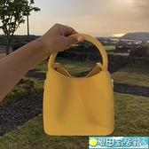 水桶包 包包女包新款夏天上新小包ins時尚潮百搭斜背單肩手提水桶包 麥田家居館