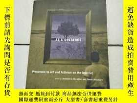 二手書博民逛書店At罕見a Distance: Precursors to Ar