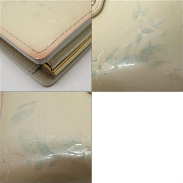 LOUIS VUITTON LV 路易威登 奶油色LOGO壓紋漆皮零錢釦雙開中夾  M91363 【BRAND OFF】