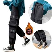 EASON SHOP(GW9100)實拍撞色LOGO多口袋刷毛加絨加厚鬆緊腰拉繩束腳工裝褲運動休閒褲女直筒九分棉褲