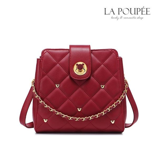 側背包 可愛小熊轉鎖菱格紋小水桶包 俏皮紅-La Poupee樂芙比質感包飾 (預購+好禮)