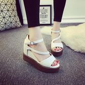 坡跟凉鞋 顯瘦性感夏天涼鞋女夏季新款魚嘴厚底高跟鏤空休閑露趾鞋子 IV1568(衣好月圓)
