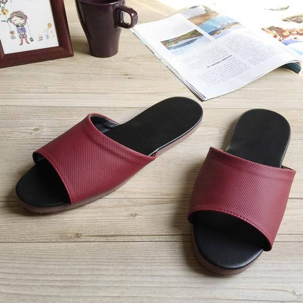 台灣製造-簡約系列-純色皮質室內拖鞋 -細紋紅